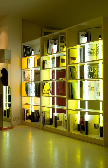 Bookcase ikea mathilde bretillot - Eclairage bibliotheque ikea ...